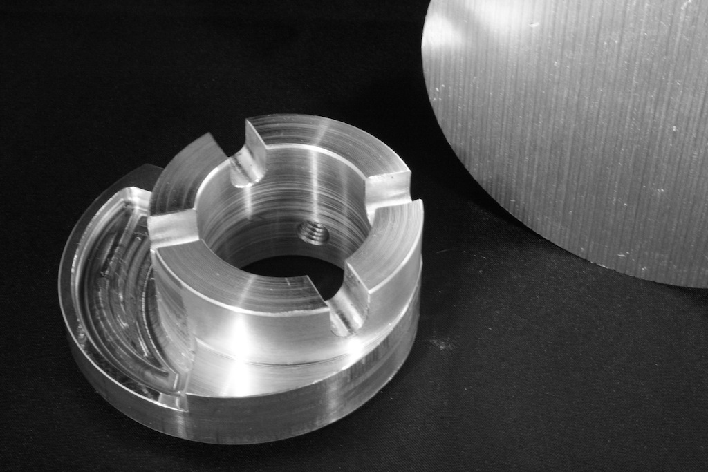 pieza de aluminio mecanizada