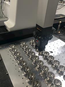 medición de piezas mecanizadas en tridimensional