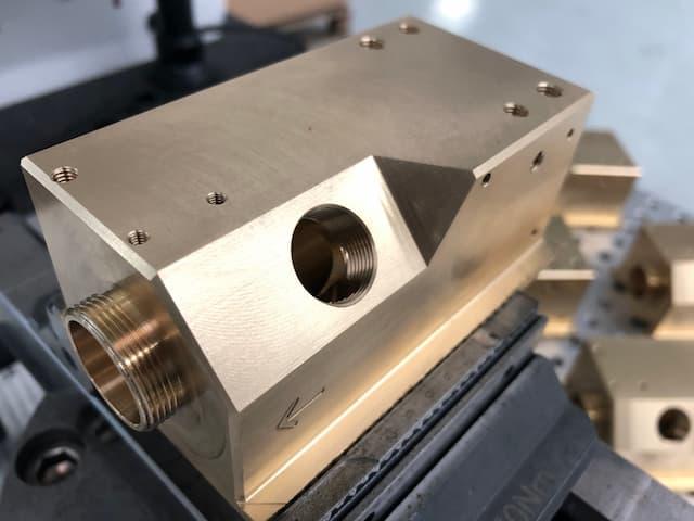 Mecanizado de piezas de latón 3
